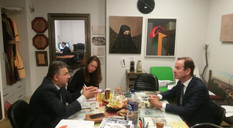النائب جبارين يجتمع مع السفير الهولندي ويطرح مخاطر قانون القومية ومخطط الترانسفير