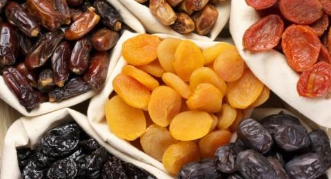 الفواكه المجففة أفضل وجبة صحية في الشتاء: تعلمي صنعها في المنزل