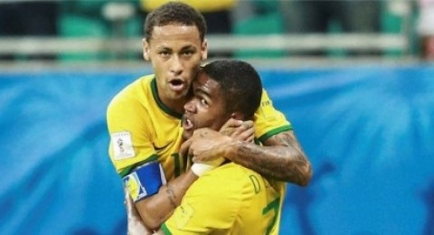 أوروجواي تقسو على تشيلي والبرازيل تفوز بالخبرة في تصفيات المونديال