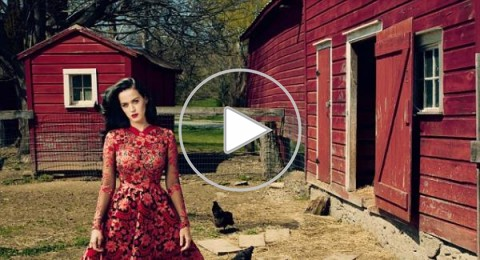 هل ارتدت كاتي بيري المثيرة فستان أديل المورد؟