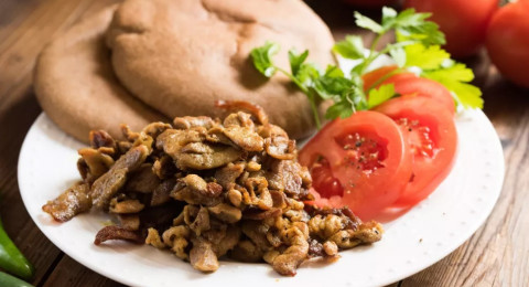 5 أسباب لتناول لحم الحبش