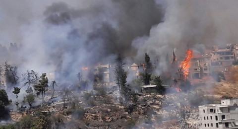 إخلاء منازل وإغلاق طرقات .. حريق ضخم في صفد!