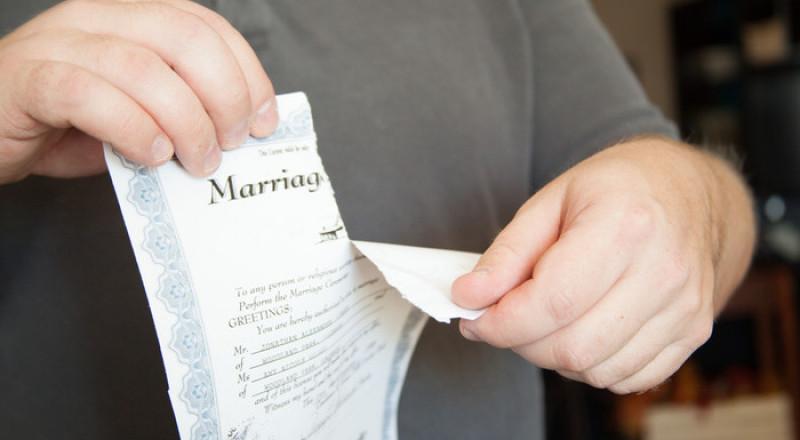 قرار قضائي: المرأة المطلقة ملزمة أيضا بدفع نفقة للأولاد