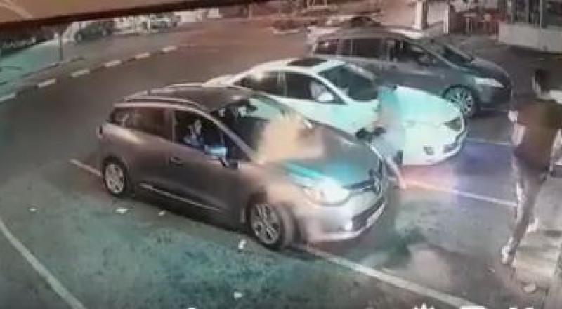 بالفيديو: ترك سيارته لأقل من دقيقة ومحركها يعمل فسُرقت فورًا .. هذا ما حصل في طمرة بالأمس