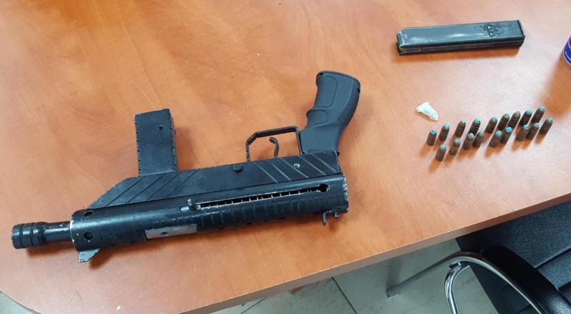 القاء القبض على شاب وبحوزته سلاح في الفريديس