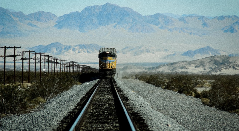 خط قطار من بغداد إلى تركيا وإيران والأردن