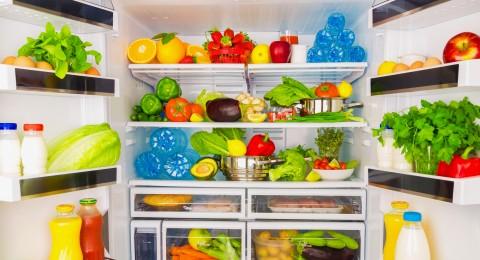 حبات الفواكه والخضار - في البراد أو