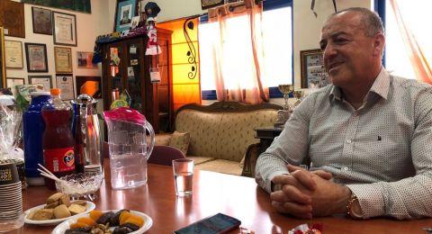 أكرم حسون، عربي إسرائيلي ابن لفلسطين حسون ومؤمن بأنّ التغيير والتأثير يأتي بالمشاركة، لا بالانعزال