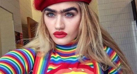 عارضة أزياء أمريكية