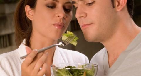 9 أطعمة لتقوية الرغبة الجنسية لديك