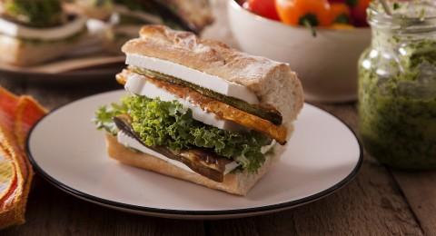 وجبة خفيفة من منطقة البحر الابيض المتوسط