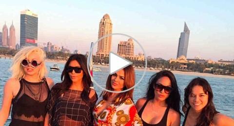 كيم كردشيان بقفطان شفاف في دبي