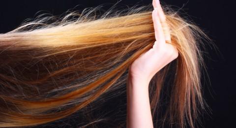 للرجال والنساء: خلطات وطرق تكثيف الشعر طبيعيا بالمنزل