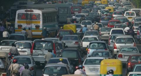 دراسة: عوادم السيارات قد تسبب العقم!