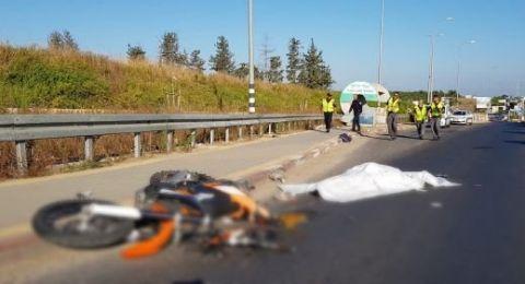 مصرع سائق دراجة نارية في مركز البلاد