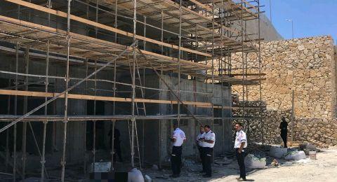 نتسيريت عيليت: مصرع عامل بناء (20) عامًا من جنين وقع عن ارتفاع 10 أمتار