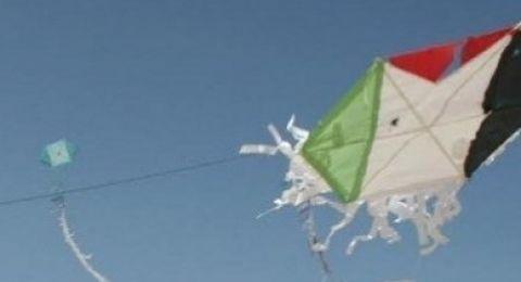 اسرائيل تحارب الطائرات الورقية بالصواريخ