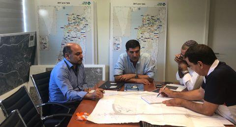بمبادرة النائب مسعود غنايم: جلسة في مقر شركة البنى التحتية للمواصلات (נתיבי ישראל) لبحث حل أزمة الإختناقات المرورية في شارع 754 (كفركنا - المشهد - الرينة)