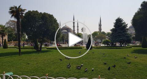 الأذان في السُلطان أحمد... مقامات موسيقية بعبق التاريخ