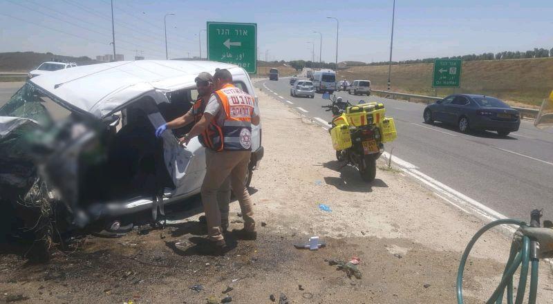 5 اصابات متفاوتة في حادث طرق جنوبي البلاد