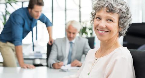 الكنيست: سن التقاعد للمرأة يبقى 62 عامًا