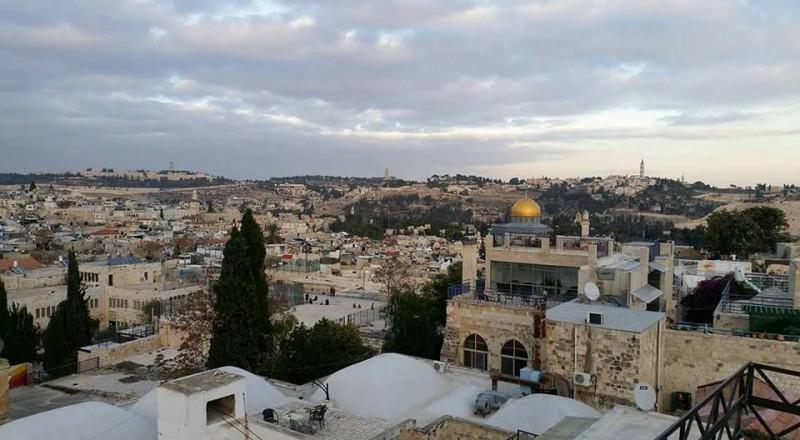 إلغاء الإقامات: سياسة اسرائيل في التهجير القسري للفلسطينيين من القدس