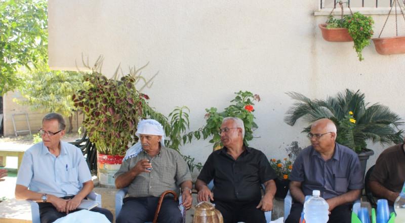 رئيس بلدية شفاعمرو يعقد جلسة طارئة مع اتحاد المياه لحل مشكلة الصرف الصحي في حي وادي الصقيع
