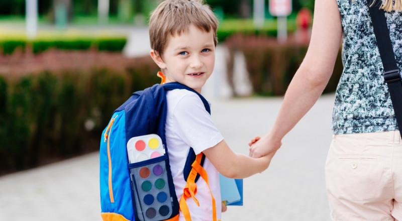 جدول: وزن حقيبة الطفل حسب عمره!