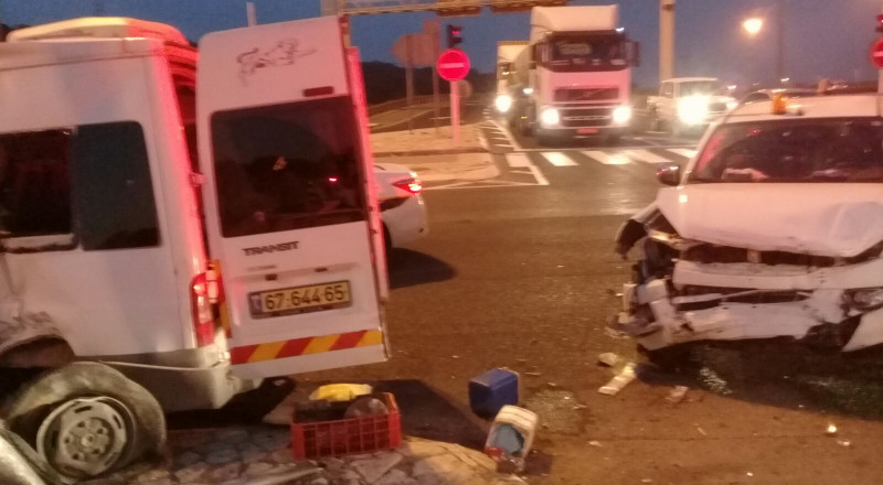 15 مصابًا بحادث طرق على شارع 79 قرب الناصرة