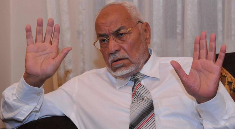 وفاة المرشد السابق للإخوان المسلمين مهدي عاكف بالسجن