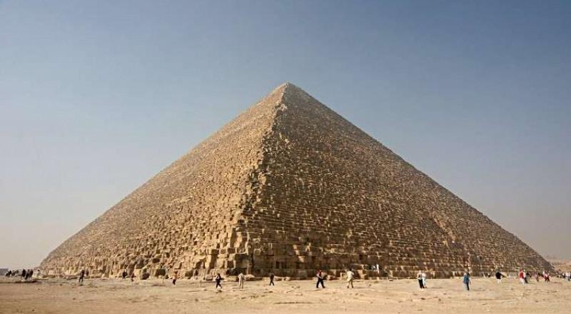 مصر تعلق على أنباء تداولتها صحف عالمية تتعلق بسبر أسرار الهرم الأكبر