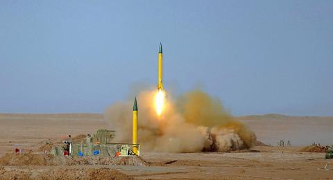 خبير إسرائيلي: الكثير من الصواريخ الباليستية يمكن أن توجه نحو إسرائيل!