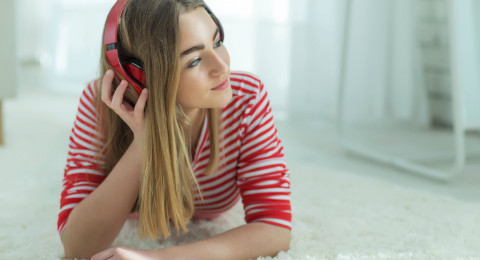 الموسيقى تخفض الشعور بالألم بنسبة 50 بالمئة