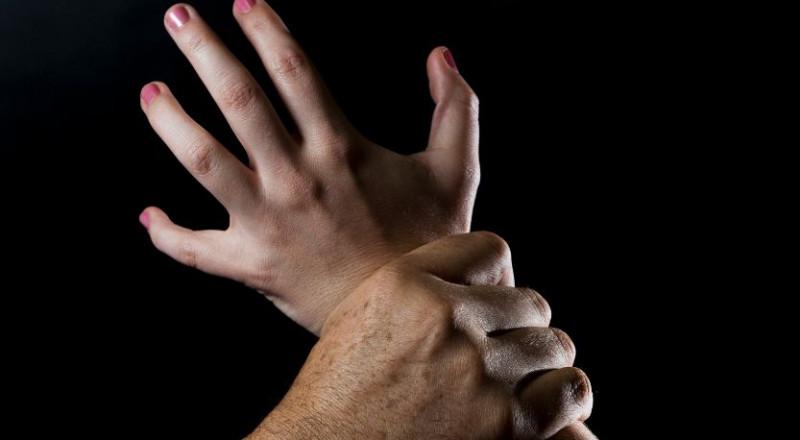 4 برماويين يختطفون فتاة ويغتصبونها ويصورونها فيديو وهي عارية بمكة!