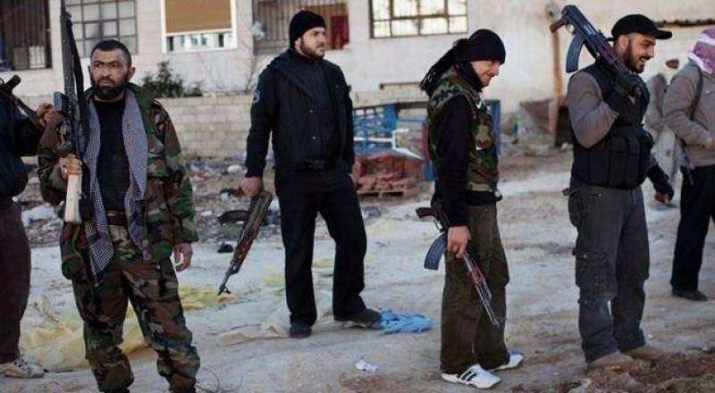 اشتباكات عنيفة بين داعش والنصرة جنوبي دمشق