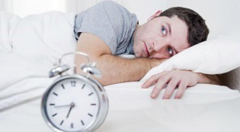 جرّب هذه الحيلة وستغرق في النوم بدقيقة واحدة!