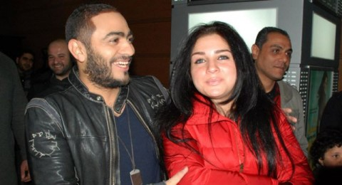 والدة تامر حسني توافق على زواجه من مي عز الدين