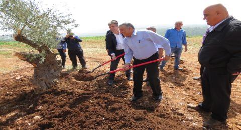 زيارة وزير الاقتصاد والصناعة ايلي كوهن الى قرية المغار