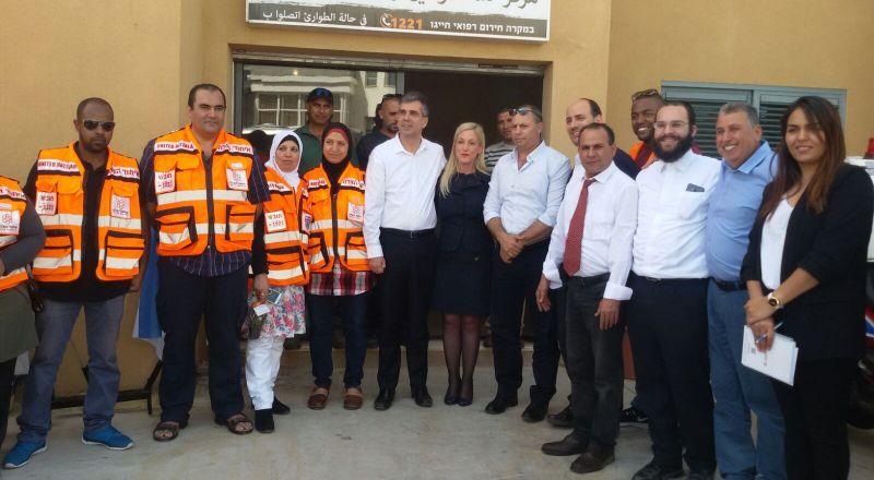 وزير الاقتصاد يزور الشبلي أم الغنم ويدعم مشروع المنطقة الصناعية