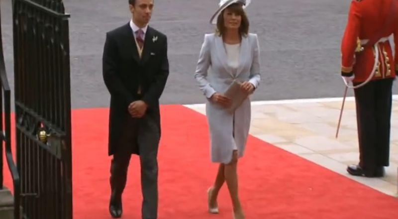 الأمير تشارلز كان يخطط لإبعاد والدة كيت عن الاختلاط مع العائلة المالكة