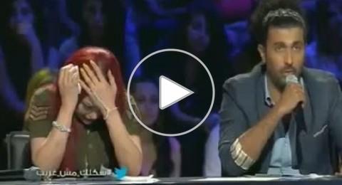 """هيفاء وهبي تنهار باكية على الهواء في """"شكلك مش غريب""""!"""