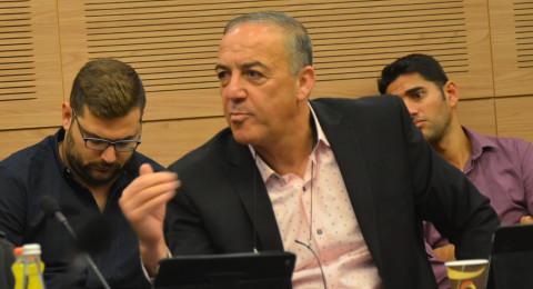 النائب اكرم حسون يستجوب وزير البيئة في مواضيع خليج حيفا ومخاطره واسترجاع العبوات (القناني)بالرهينة!