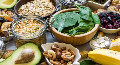 عادات غذائية للمحافظة على توازن السكر بالدم