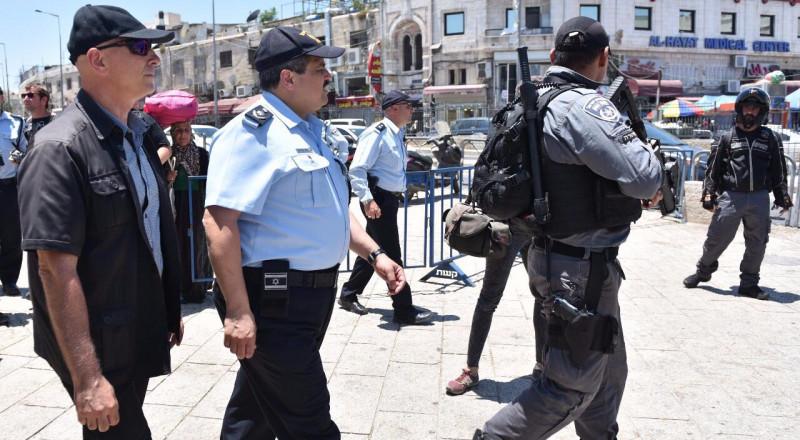القدس : الشيخ يتفقد انتشار القوات حفاظا على السلامة العامة ومؤكدا ضرورة اعادة مجريات الحياة الطبيعية لمسارها