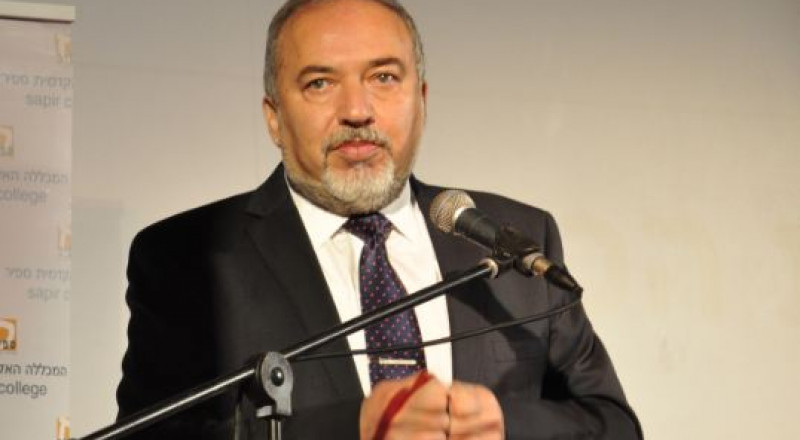 ليبرمان: عباس يسعى لإشعال مواجهة عسكرية بيننا وبين حماس