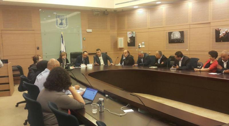 بمبادرة جبارين: وزارة المعارف تلتزم بترجمة كل اصداراتها الى العربية