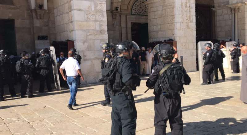 قوات إسرائيلية خاصة تقتحم الأقصى وتنتشر فيه وتثير التوتر بين المصلين