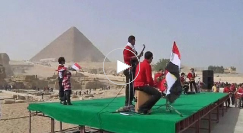 كيف أثرت الأزمة السياسية على قطاع السياحة في مصر؟