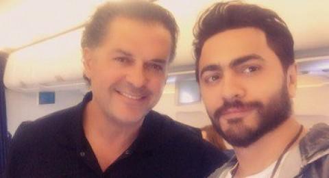 الصدفة تجمع بين تامر حسني وراغب في الطائرة