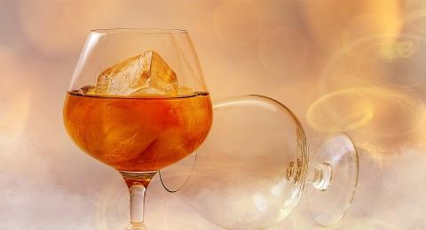 الكحول يزيد من خطر الإصابة بأورام الثدي